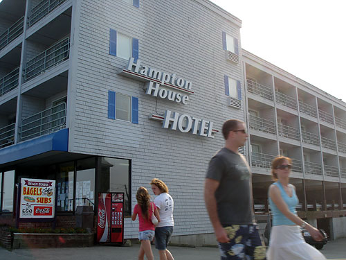 Hampton House Hotel Picture Of The Motel Called Kentville On Ocean Ship S Inn Resort Advertises Jacuzzis