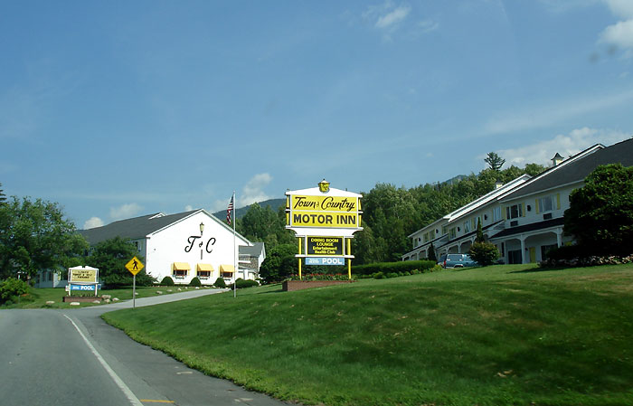 Roadtrip new hampshire white mountains pictures for Town and country motor lodge gorham nh
